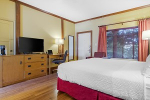 Inn Marin and Suites - King Bed