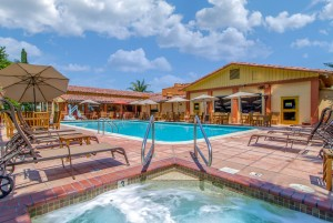 Inn Marin and Suites - Outdoor Pool and Spa