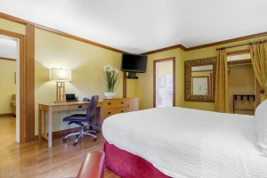 Inn Marin and Suites - Suite