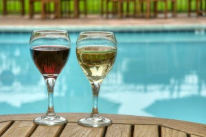Inn Marin and Suites - Beverages in our Outdoor Pool and Spa